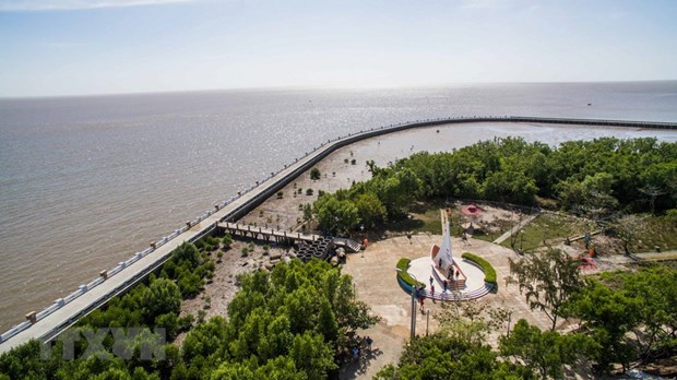Ca Mau Cape tourism site to become key local economic area in 2025 hinh anh 1