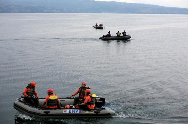 Indonesia: Another boat accident occurs in Lake Toba hinh anh 1