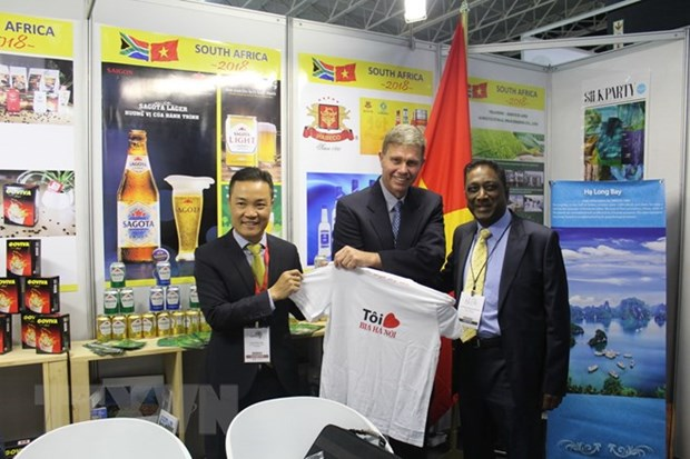 Vietnamese goods introduced at int'l trade fair in South Africa hinh anh 1
