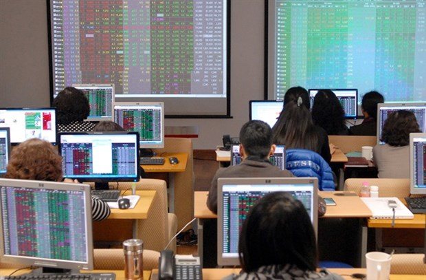 VN-Index opens week up, liquidity remains weak hinh anh 1
