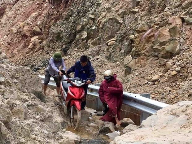 Floods, landslides in northern provinces claim 15 lives hinh anh 1