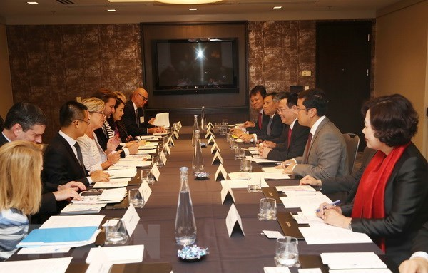 Deputy PM updates US firms on Vietnam's economic policies hinh anh 1