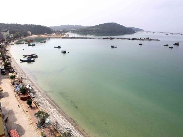 Quang Ninh: Power on Co To island district restored hinh anh 1