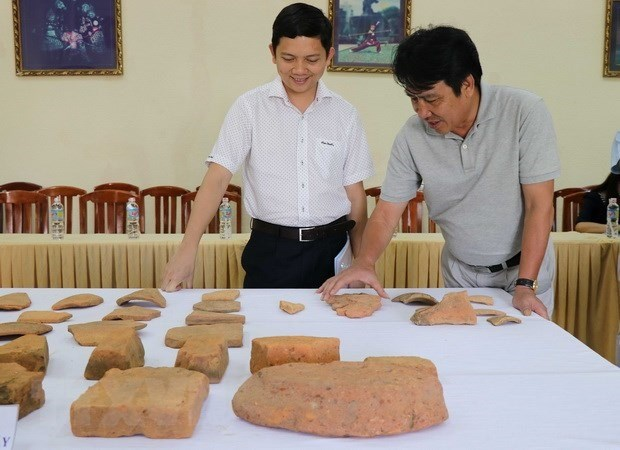 Scientists announce excavation results of central province's relics hinh anh 1