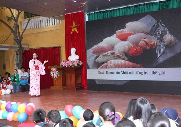 Nearly 90,000 people learn Japanese in Vietnam hinh anh 1