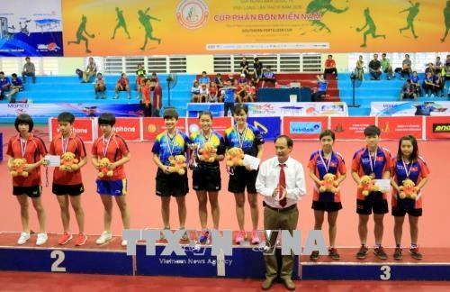 Vietnam wins three golds at 3rd Vinh Long In'tl Table Tennis hinh anh 1