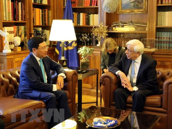 Greek President backs all-round cooperation with Vietnam hinh anh 1
