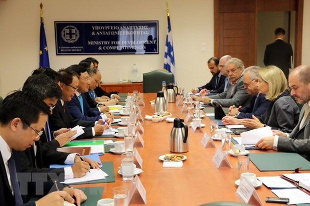Greek President backs all-round cooperation with Vietnam hinh anh 2