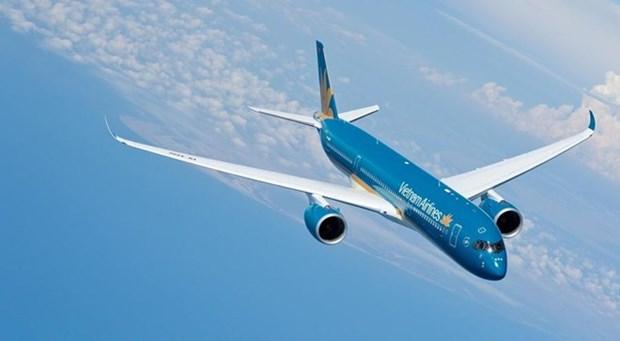 Vietnam Airlines adjusts flight schedule due to typhoon Prapiroon hinh anh 1