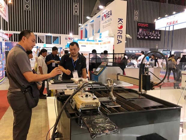 Machine, metalworking expo opens in HCM City hinh anh 1