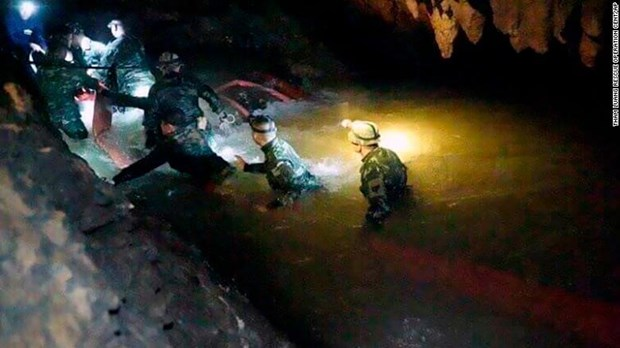 Thailand: Downpours hinder rescue of trapped football team hinh anh 1