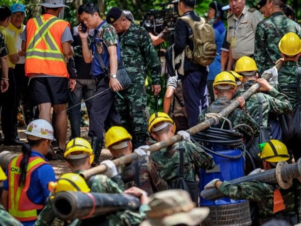 Australia sends more professionals to join rescue of Thai soccer team hinh anh 1