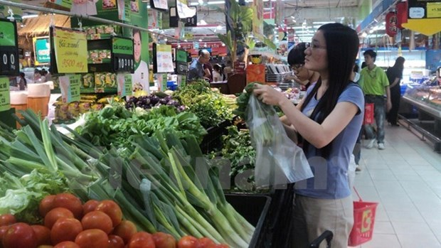 Retail sales continue positive growth in H1 hinh anh 1