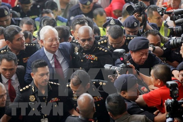 Supporters raise funds for former Malaysian PM's bail hinh anh 1