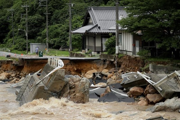 Condolences to Japan over losses caused by floods hinh anh 1