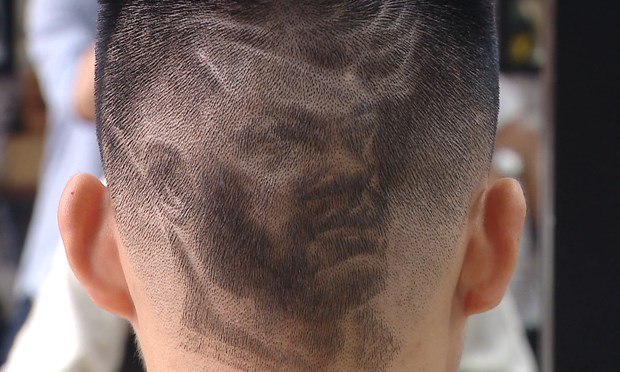 Fans enjoy World Cup with special haircuts hinh anh 3