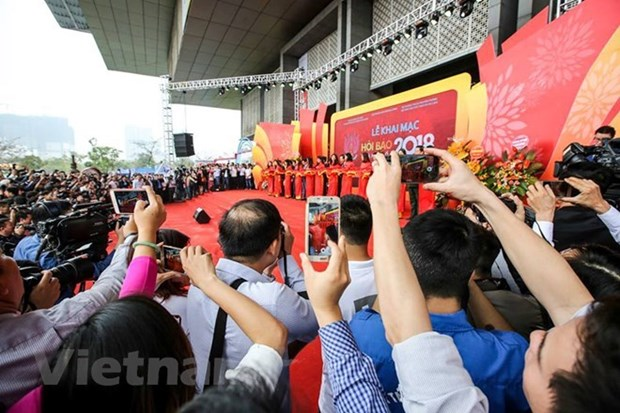 Over 19,000 reporters receive press cards nationwide hinh anh 1