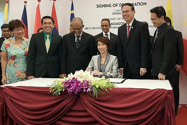 ASEAN capitals sign declaration on sustainable environment hinh anh 1