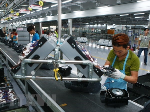 Vietnam's economy maintains growth momentum over year's second quarter hinh anh 1