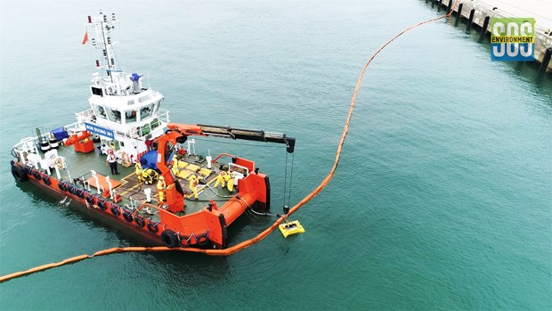 Thanh Hoa province holds oil spill response drill hinh anh 1