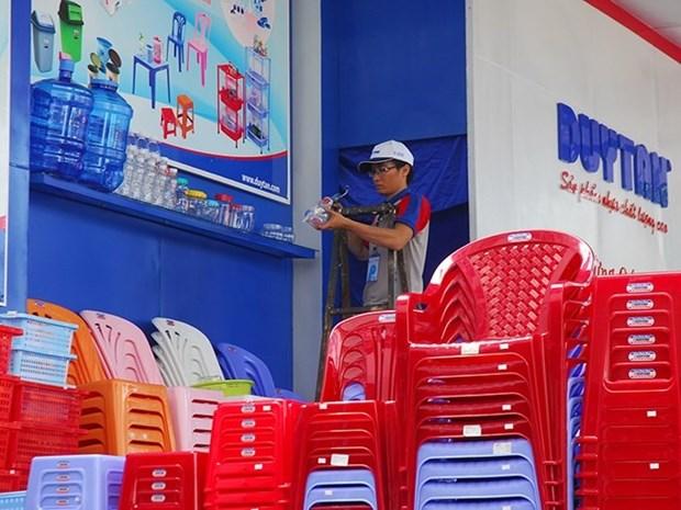 Foreign firms eye Vietnam's plastics hinh anh 1