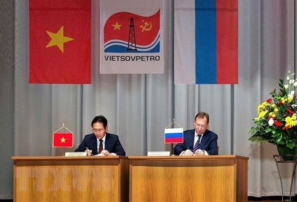 Vietnam, Russia oil and gas firms step up cooperation hinh anh 1