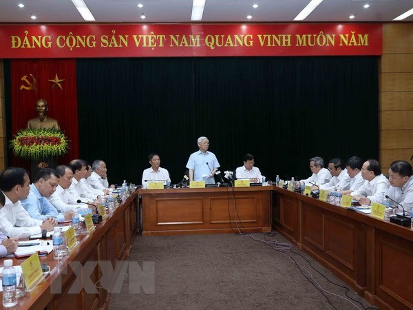 Party chief hails industry-trade sector as economic spearhead hinh anh 1