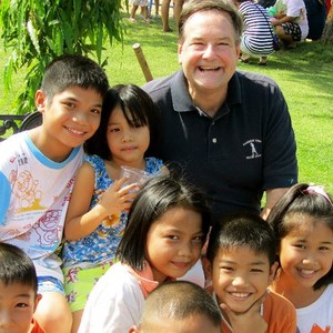 Vietnam joins int'l efforts to give children homes hinh anh 3