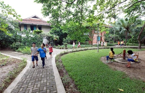 Vietnam joins int'l efforts to give children homes hinh anh 1