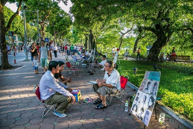 Tourist arrivals to Hanoi up 10 pct in first half hinh anh 1
