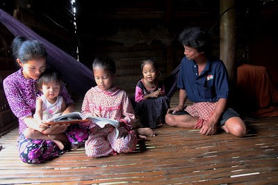Vietnam joins int'l efforts to give children homes hinh anh 2