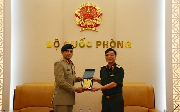 Vietnam, Pakistan to strengthen defence cooperation hinh anh 1