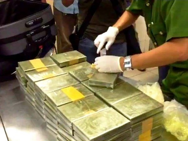 Large cross-border drug trafficking ring raid hinh anh 1