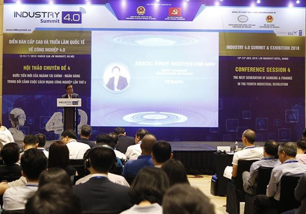 New strides in finance-banking in spotlight at Industry 4.0 Summit hinh anh 1