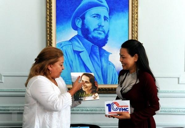 Vietnamese, Cuban women vow to tighten bilateral friendship hinh anh 1