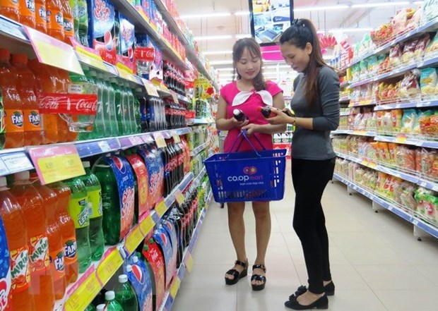 Vietnamese consumers spend less on FMCG hinh anh 1