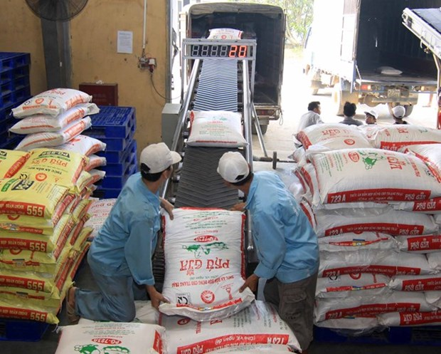 Imported animal feed grows during H1 hinh anh 1