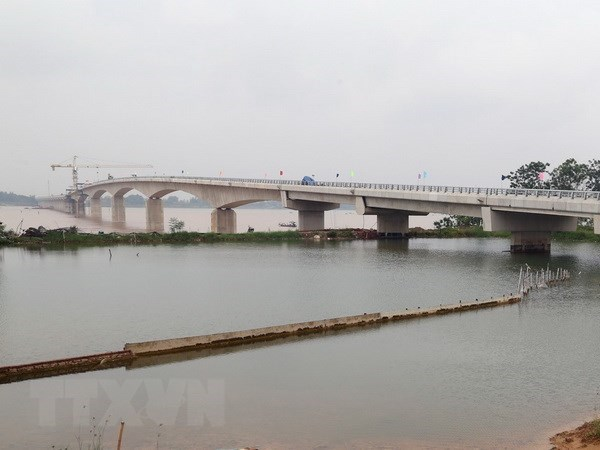 Viet Tri-Ba Vi Bridge across Red River to open for trial run on July 31 hinh anh 1