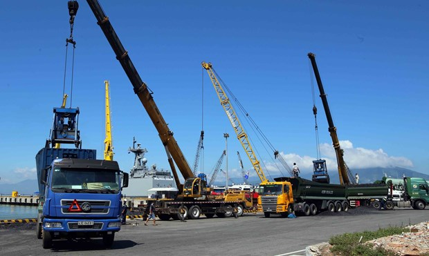 Over 254 million tonnes of cargo handled via ports in H1 hinh anh 1