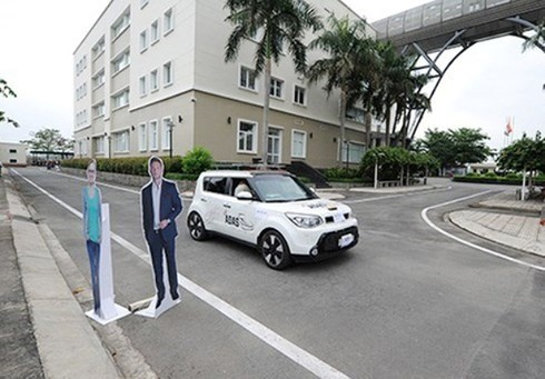 FPT Software allowed to pilot self-driving car hinh anh 1