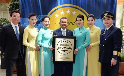National flag carrier continues to be certified as 4-star airline hinh anh 1