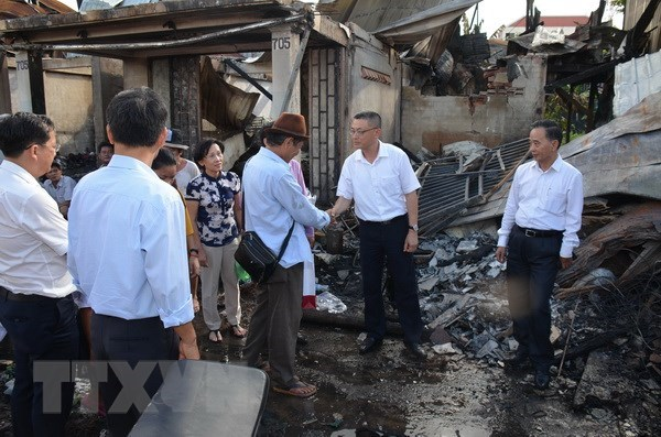 Vietnamese victims of Phnom Penh fire receive support hinh anh 1