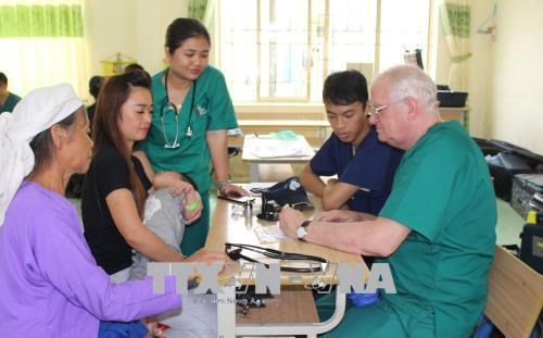 US volunteer doctors offer free health checkups to Cao Bang's poor hinh anh 1