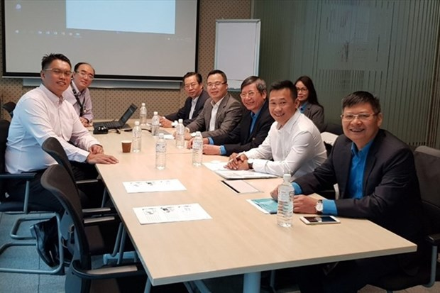 Vietnam, Singapore share experience in trade union work hinh anh 1
