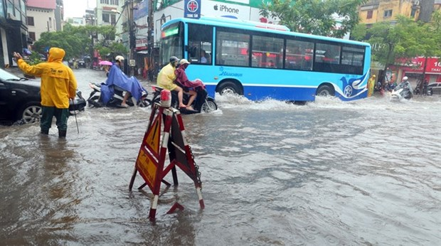 Downpour hitting northern region, causing widespread flooding hinh anh 1
