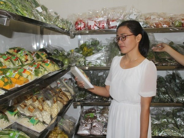 Food safety, hygiene shows improvement, but needs more measures hinh anh 1