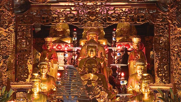Tran Quoc pagoda - Hanoi tourist attraction hinh anh 3