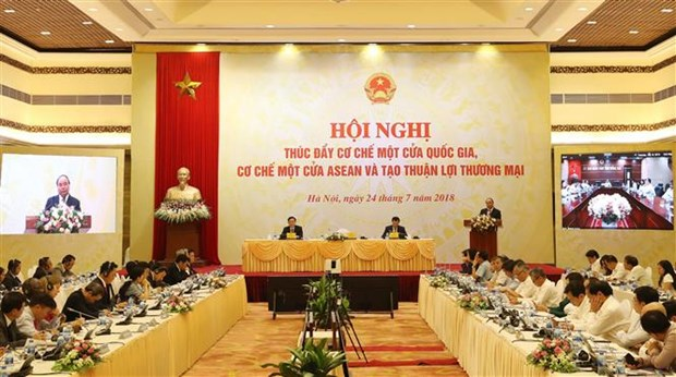 PM asks for more effort to promote efficiency of single window mechanisms hinh anh 1