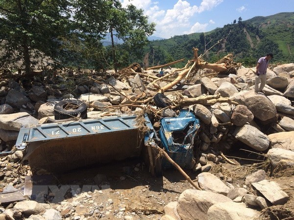 Laos sends condolences to Vietnam over losses caused by storm hinh anh 1