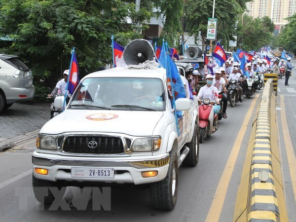 Cambodia holds armed forces display ahead of election hinh anh 1